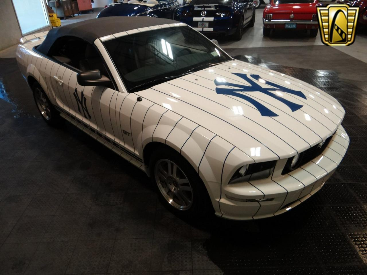 Large Picture of 2005 Mustang - KDJ7