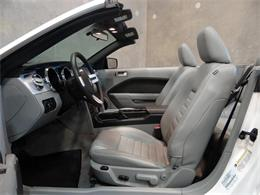 Picture of 2005 Ford Mustang - KDJ7