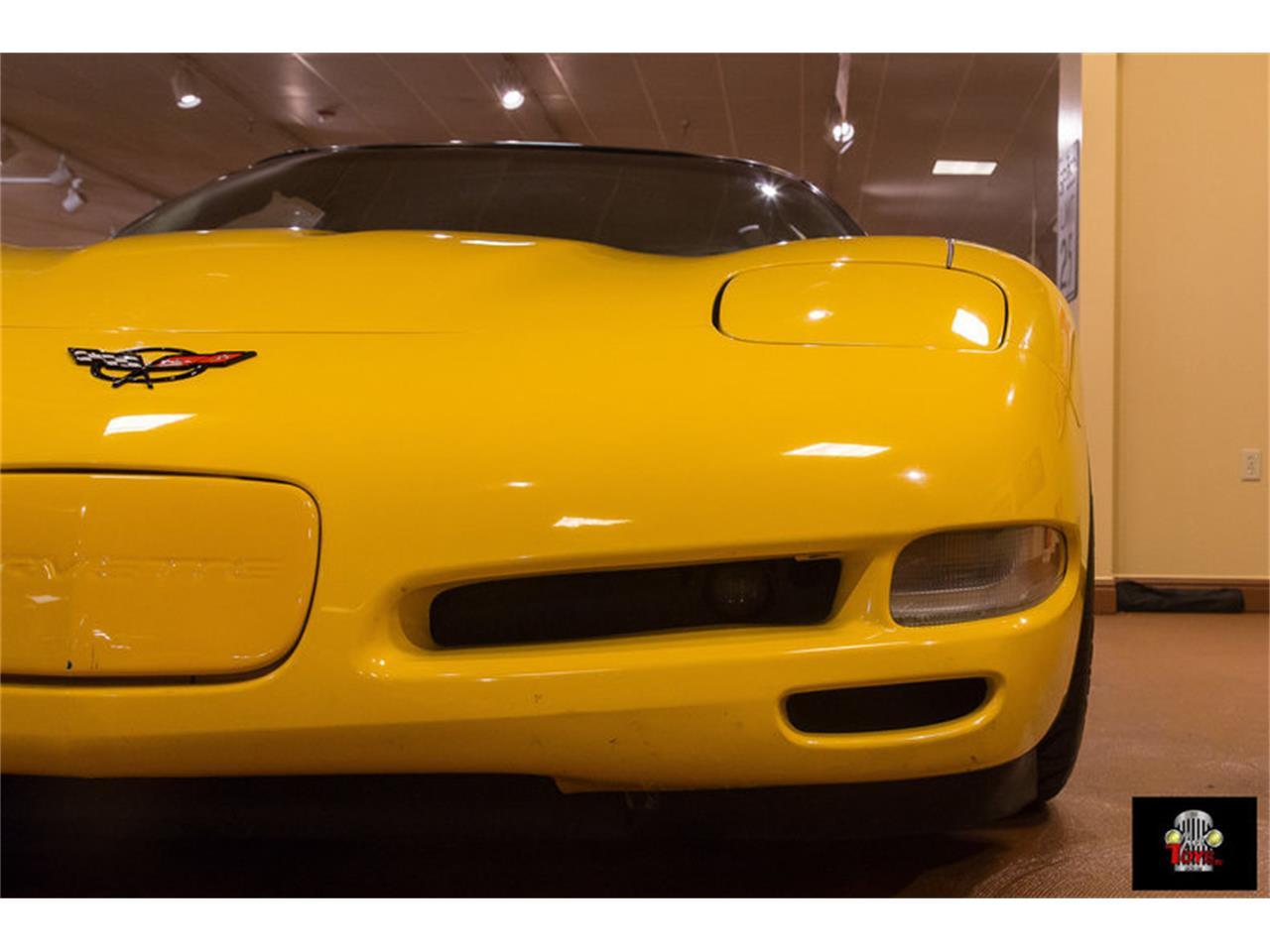 Large Picture of 2000 Corvette - KIHW