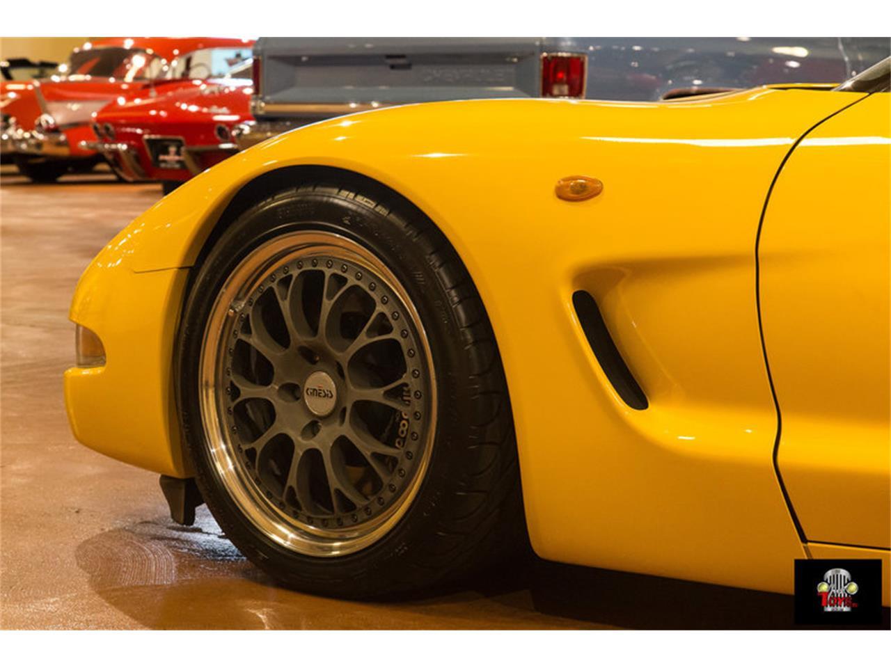 Large Picture of '00 Chevrolet Corvette located in Orlando Florida - $31,995.00 - KIHW