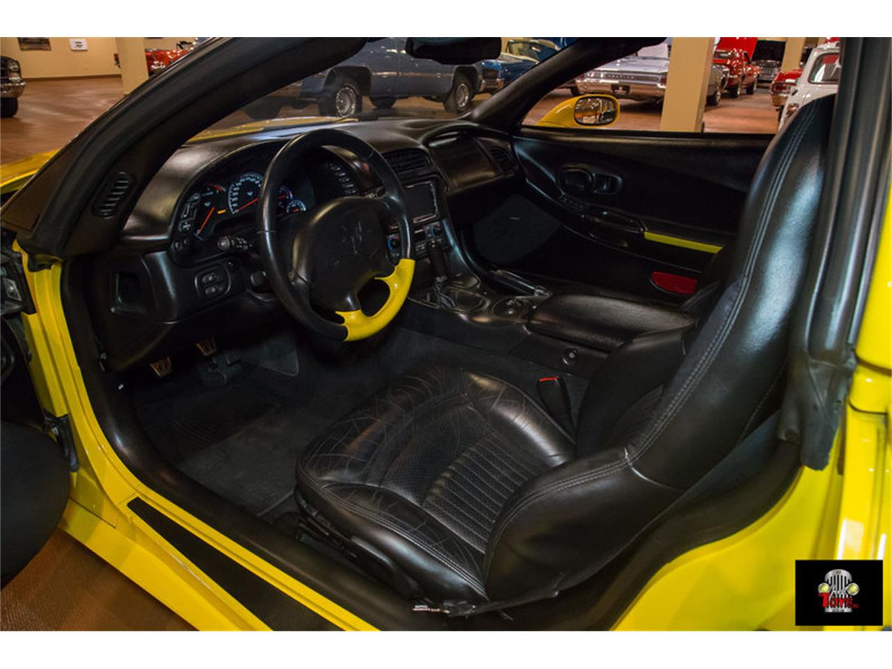 Large Picture of 2000 Chevrolet Corvette located in Orlando Florida - KIHW