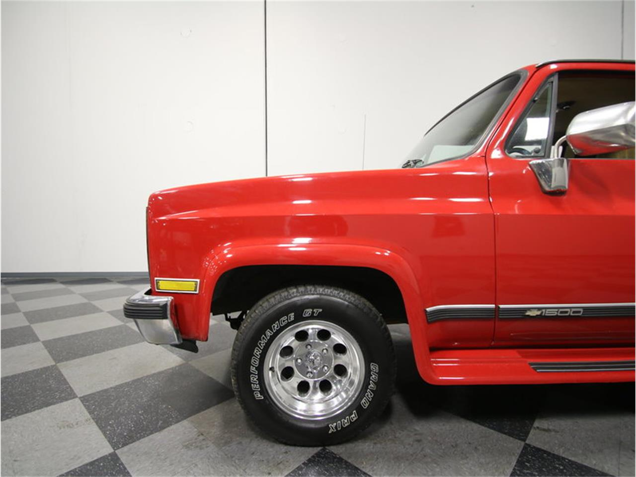 Large Picture of 1985 Chevrolet Suburban located in Georgia - $11,995.00 - KIU1