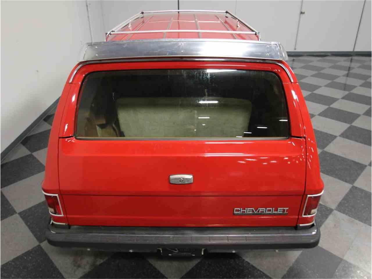 Large Picture of '85 Chevrolet Suburban - KIU1