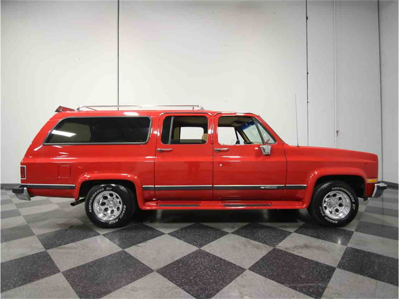 Large Picture of 1985 Chevrolet Suburban located in Georgia Offered by Streetside Classics - Atlanta - KIU1