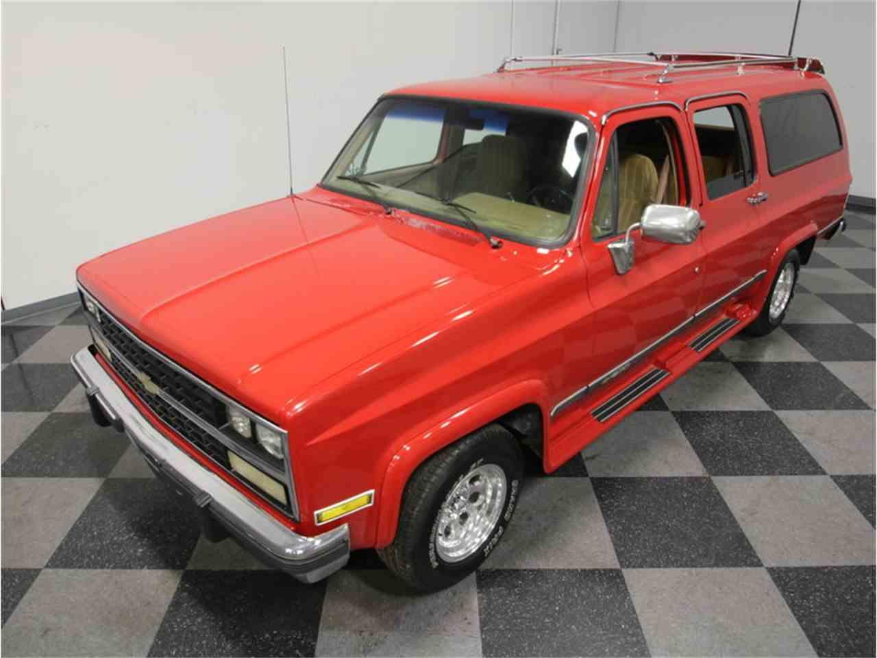 Large Picture of 1985 Chevrolet Suburban - KIU1