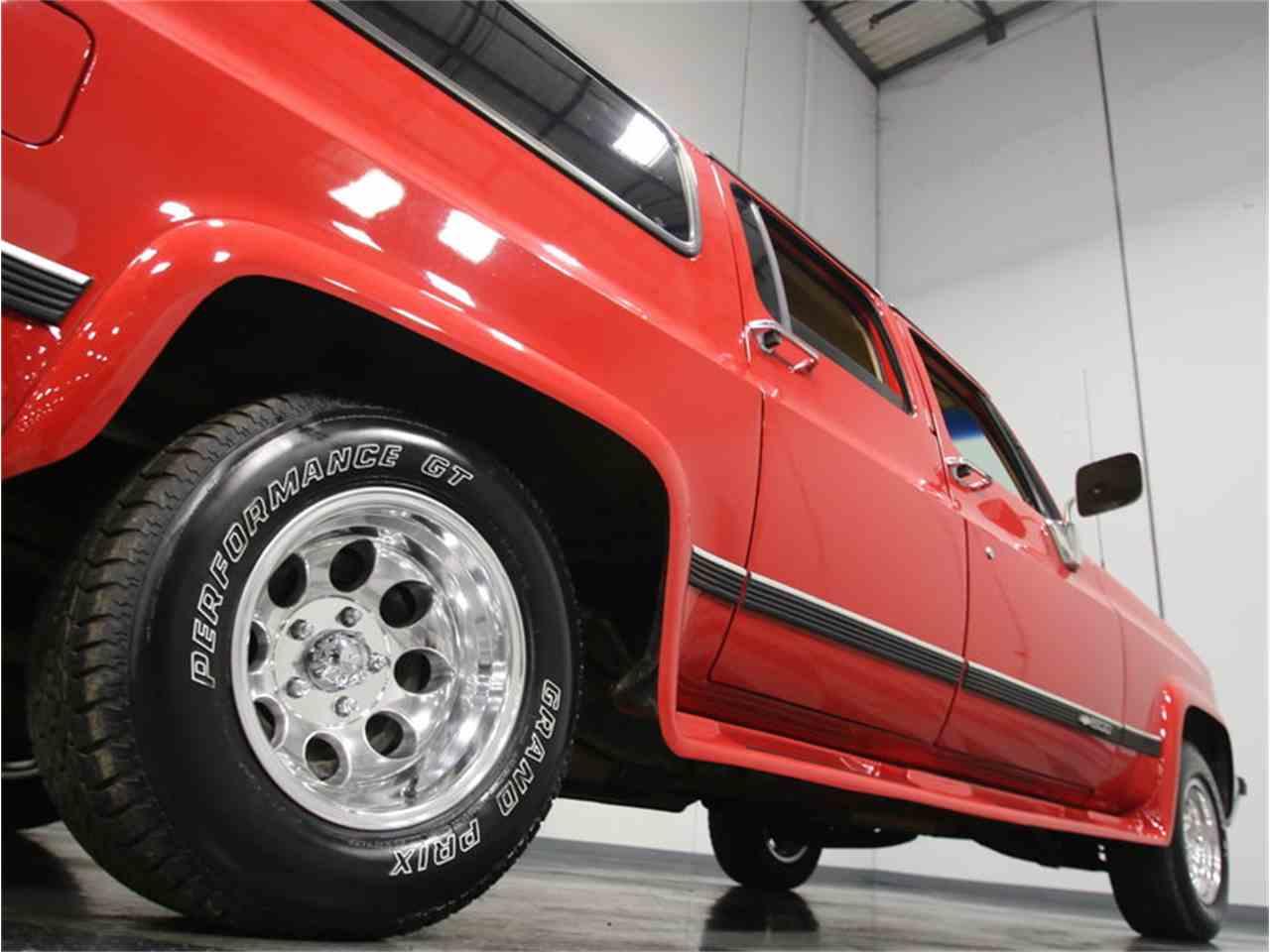 Large Picture of '85 Chevrolet Suburban Offered by Streetside Classics - Atlanta - KIU1