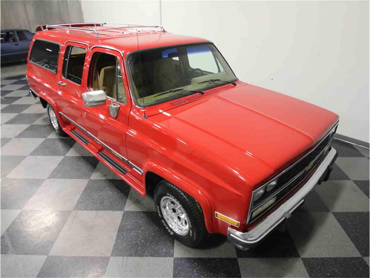 Large Picture of '85 Chevrolet Suburban - $11,995.00 - KIU1
