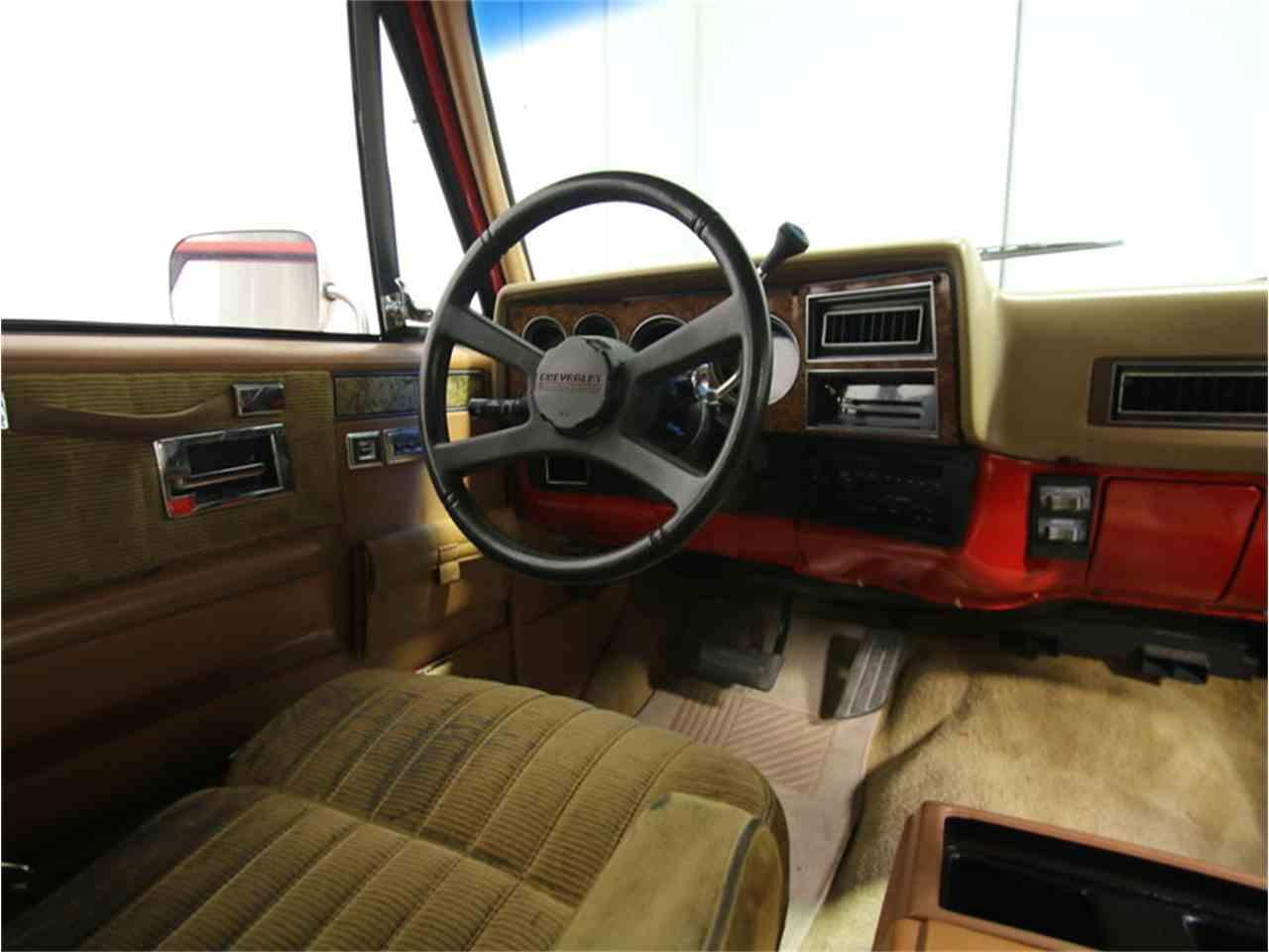Large Picture of 1985 Chevrolet Suburban located in Lithia Springs Georgia - $11,995.00 - KIU1