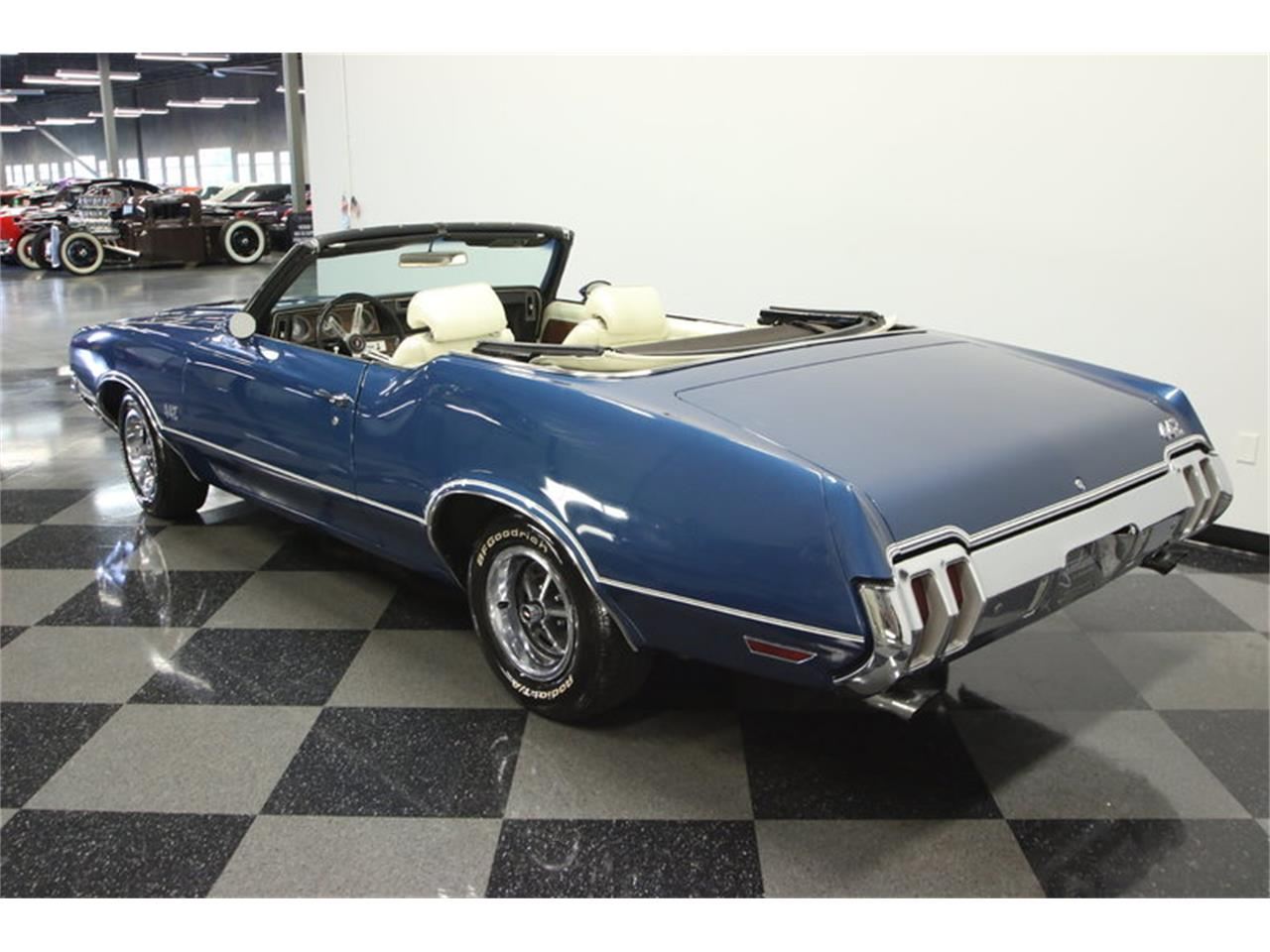Large Picture of Classic 1970 Oldsmobile Cutlass located in Lutz Florida Offered by Streetside Classics - Tampa - KIZH