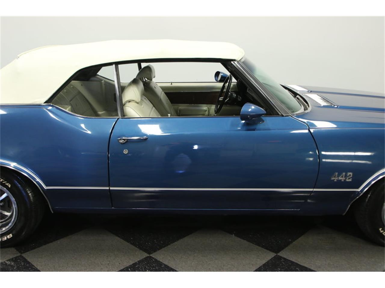 Large Picture of '70 Oldsmobile Cutlass located in Florida - $39,995.00 - KIZH