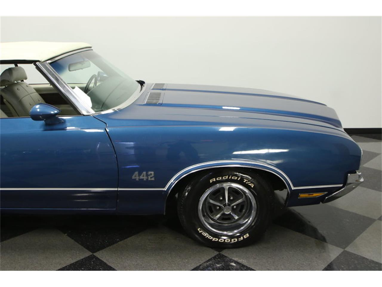 Large Picture of Classic 1970 Oldsmobile Cutlass located in Lutz Florida - $39,995.00 Offered by Streetside Classics - Tampa - KIZH