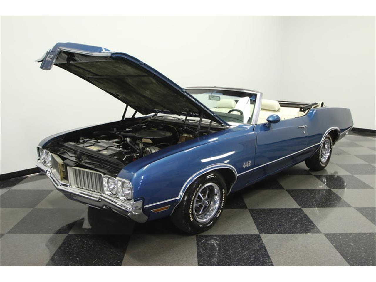 Large Picture of '70 Oldsmobile Cutlass - $39,995.00 Offered by Streetside Classics - Tampa - KIZH