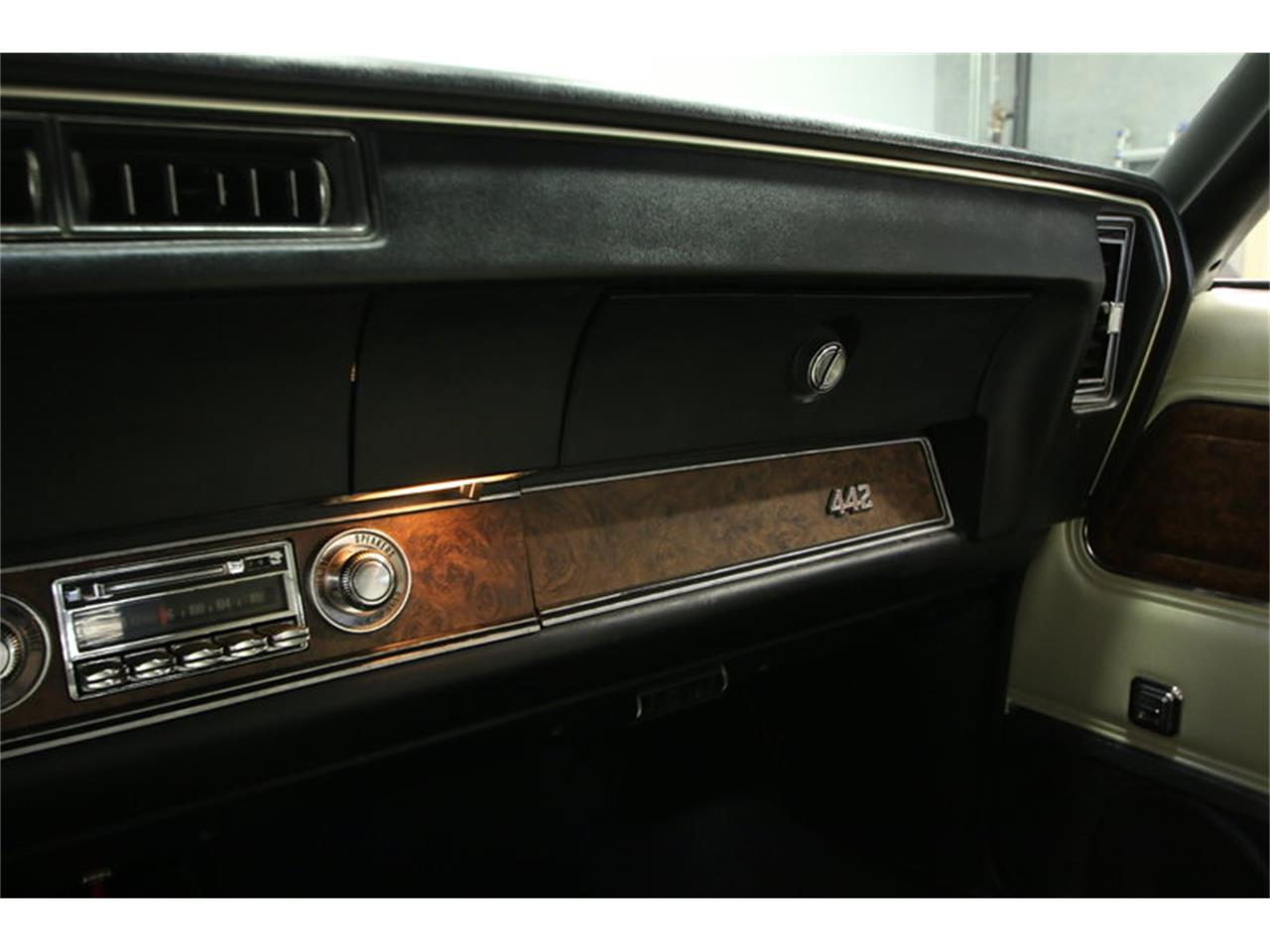 Large Picture of Classic 1970 Oldsmobile Cutlass - $39,995.00 - KIZH
