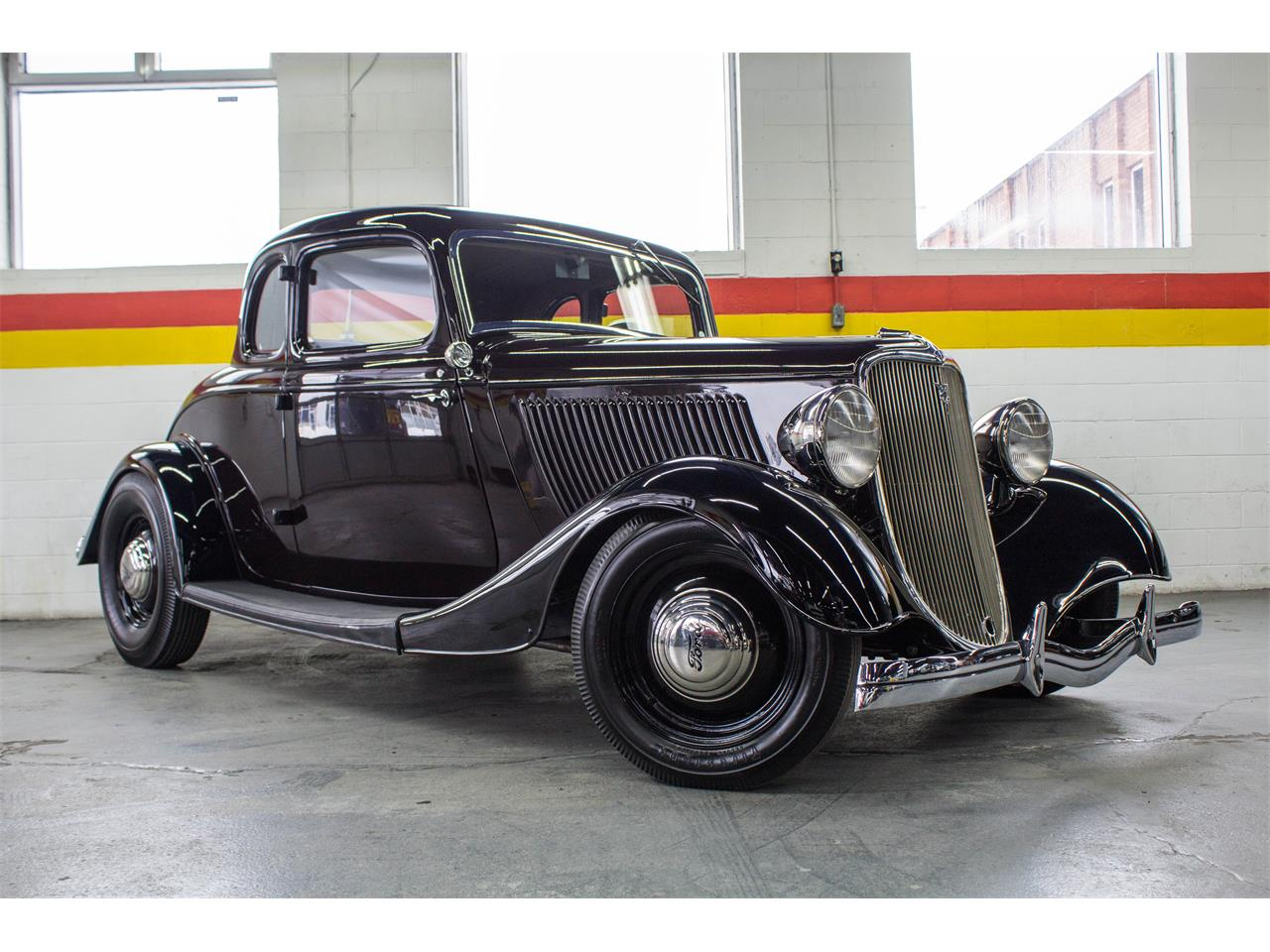Large Picture of 1933 Ford Hot Rod located in Montreal Quebec Offered by John Scotti Classic Cars - KJ00