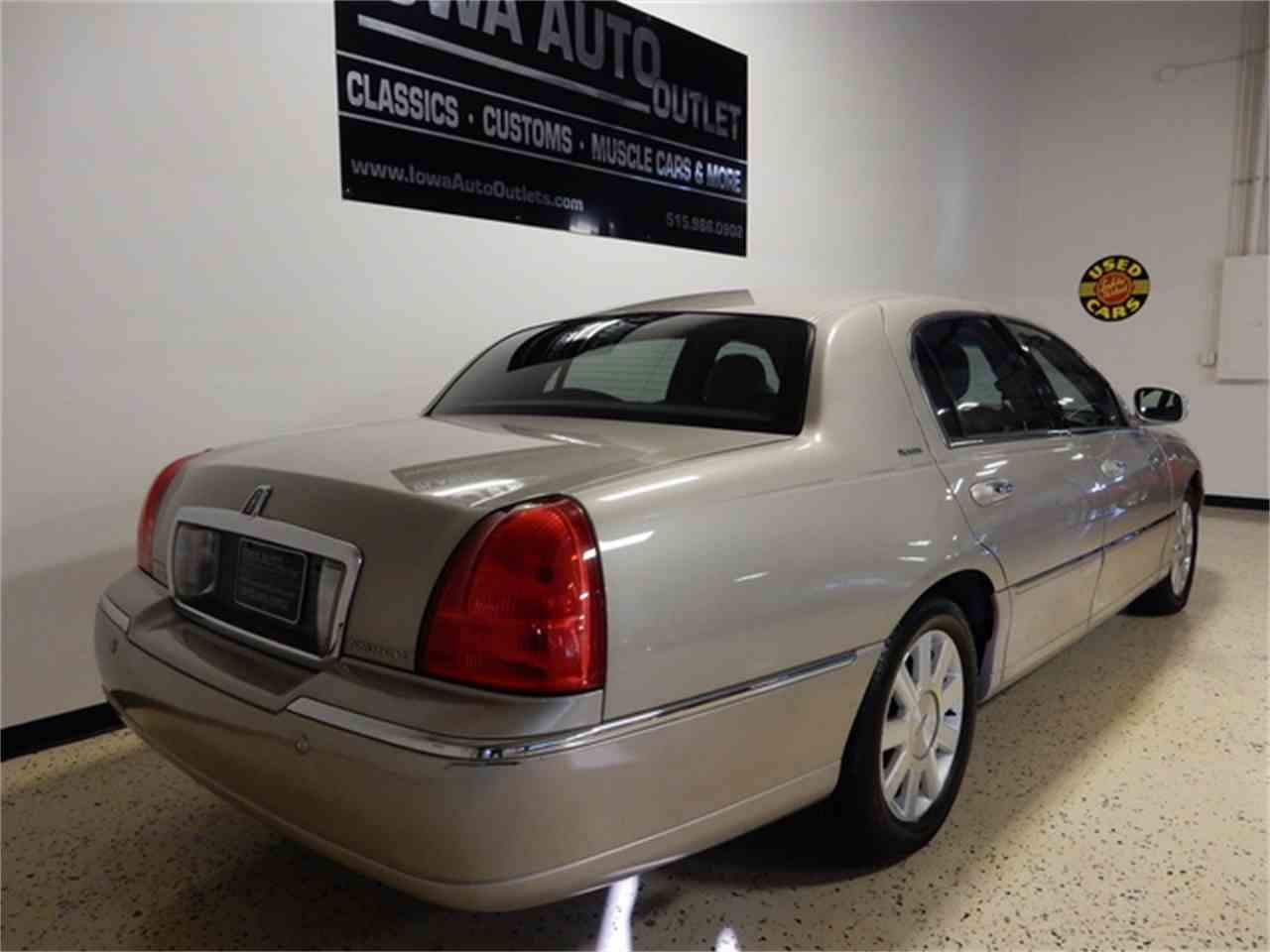 2004 lincoln town car for sale cc 957867. Black Bedroom Furniture Sets. Home Design Ideas
