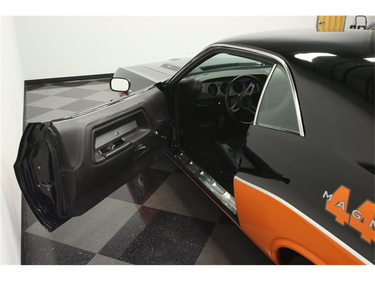 Large Picture of Classic '72 Dodge Challenger - $59,995.00 - KK0B