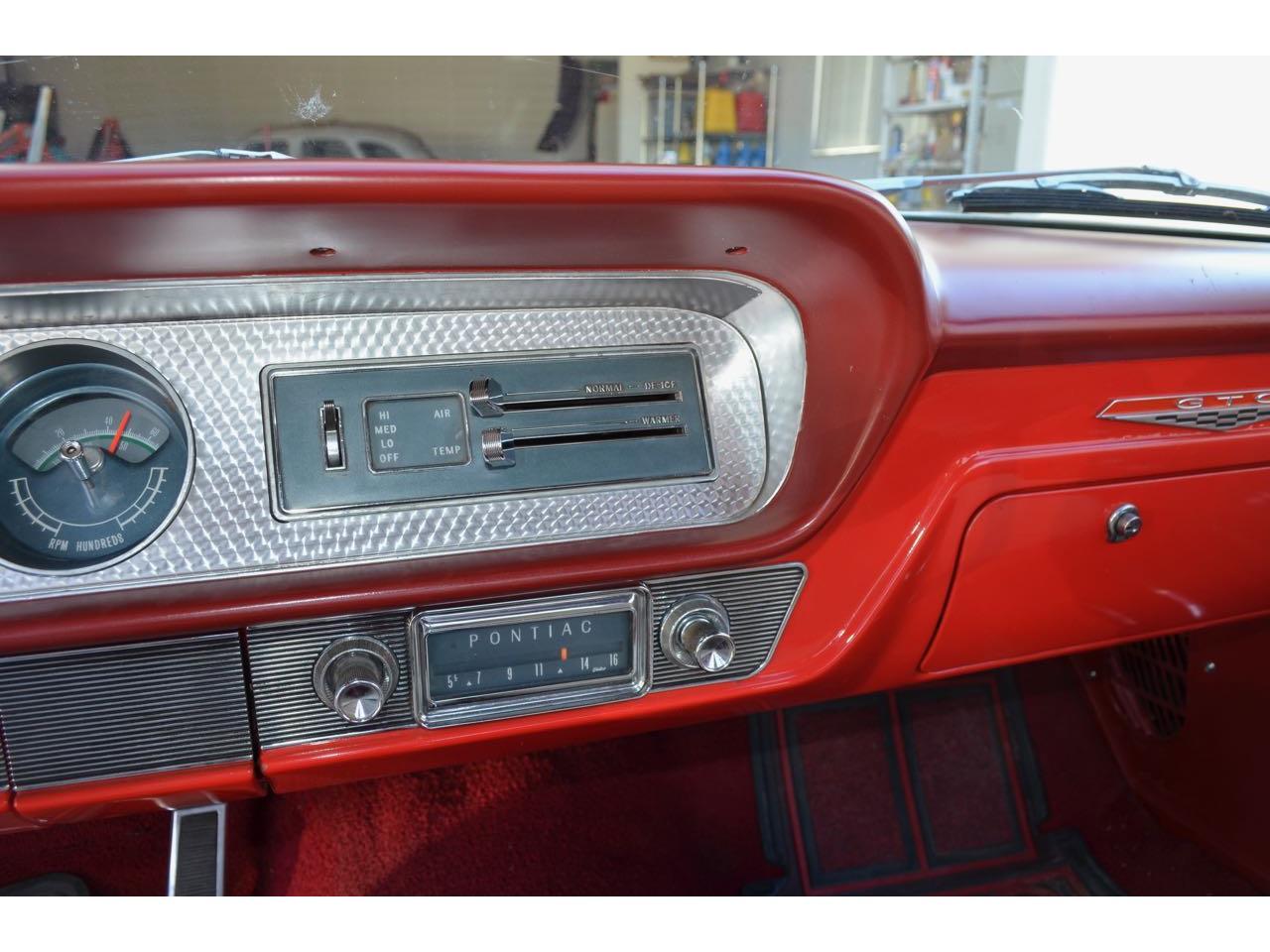 Large Picture of '64 Pontiac LeMans - KK9E