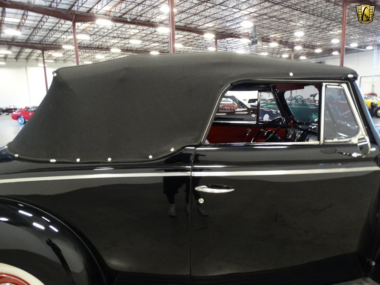 Large Picture of Classic 1940 Ford Sedan located in Tennessee - KDR7