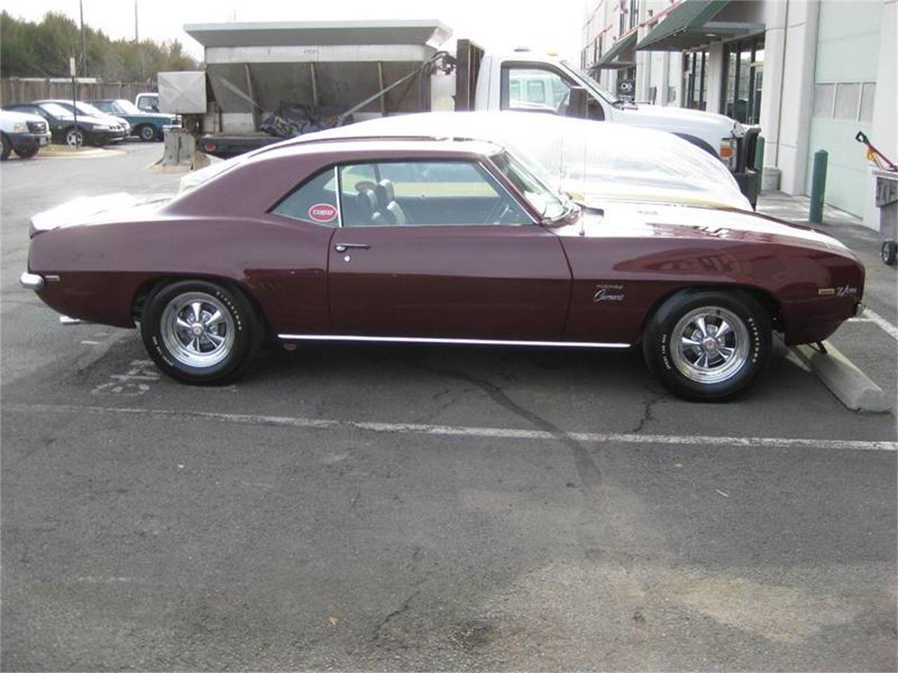 Large Picture of '69 Camaro - KKEI