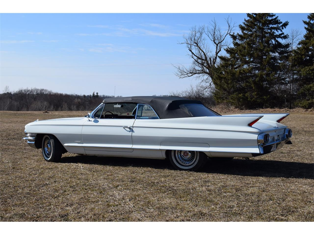 Large Picture of '61 Cadillac Convertible located in Watertown Minnesota - KKNM