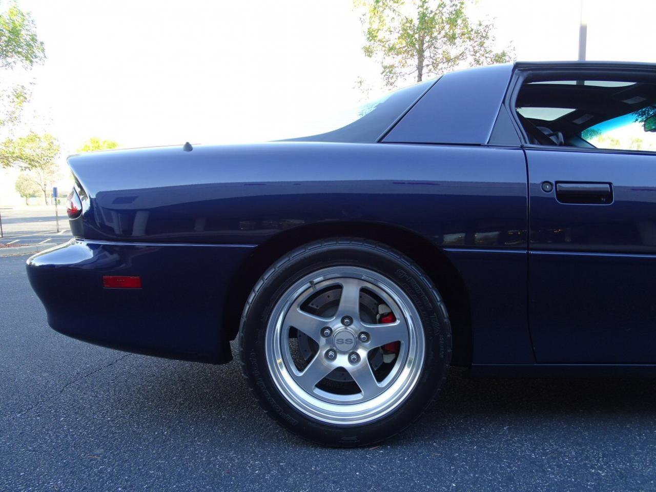 Large Picture of '02 Chevrolet Camaro located in Illinois Offered by Gateway Classic Cars - St. Louis - KDSG