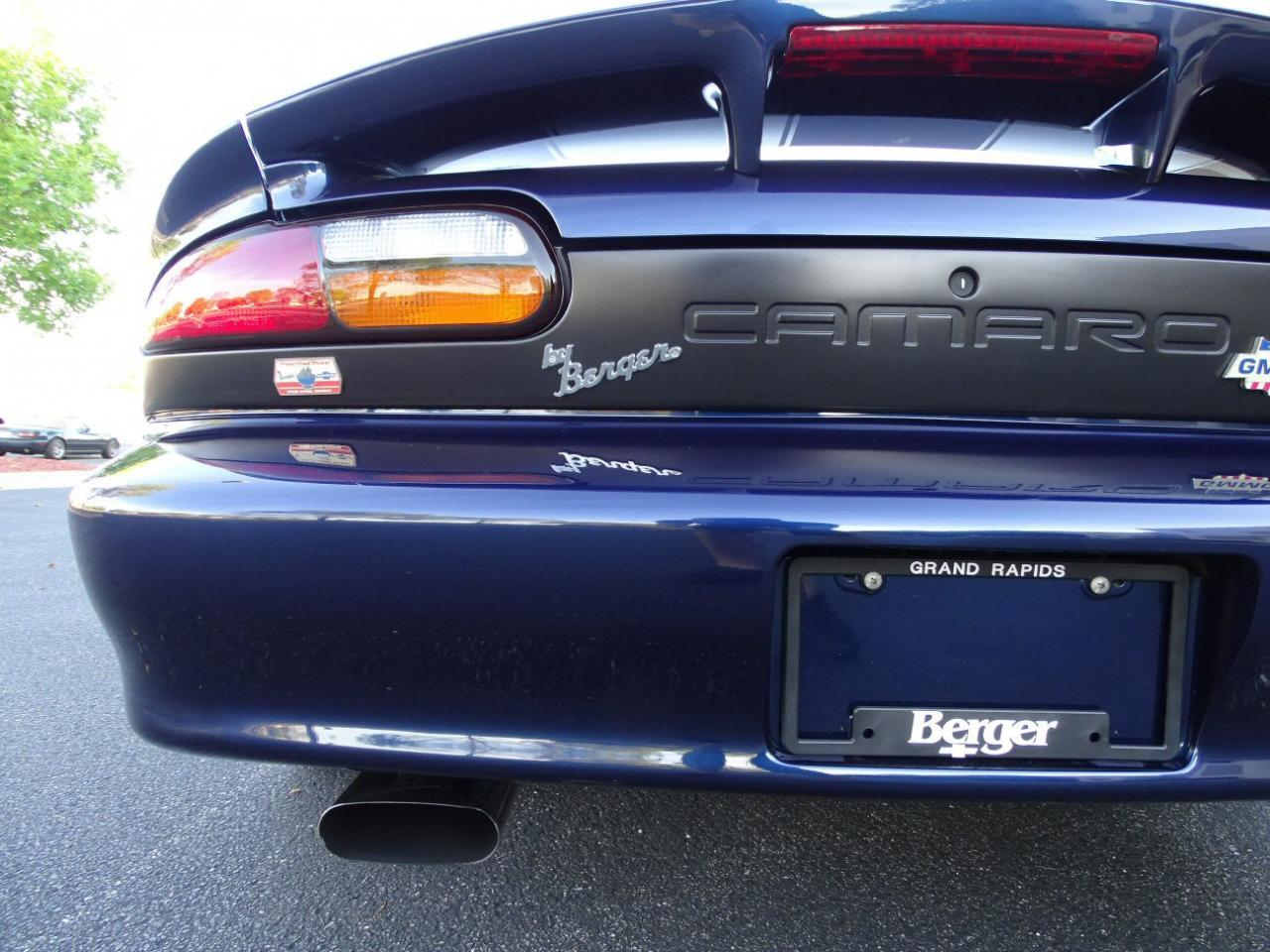 Large Picture of '02 Camaro located in O'Fallon Illinois - KDSG
