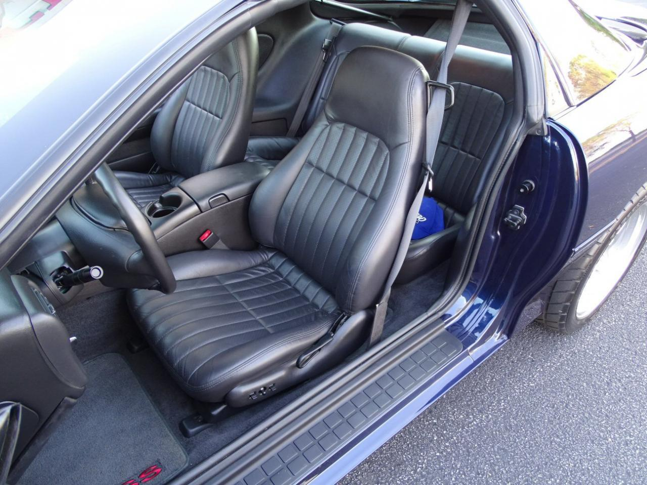 Large Picture of 2002 Camaro located in O'Fallon Illinois Offered by Gateway Classic Cars - St. Louis - KDSG