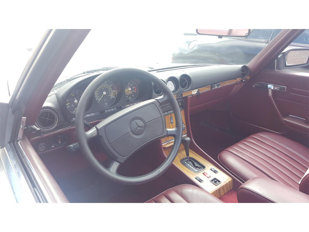 Large Picture of '86 560SL located in Orlando / Windermere Florida Offered by a Private Seller - KKTR