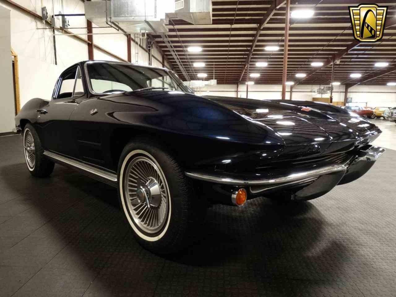 Large Picture of '64 Corvette - KM6P