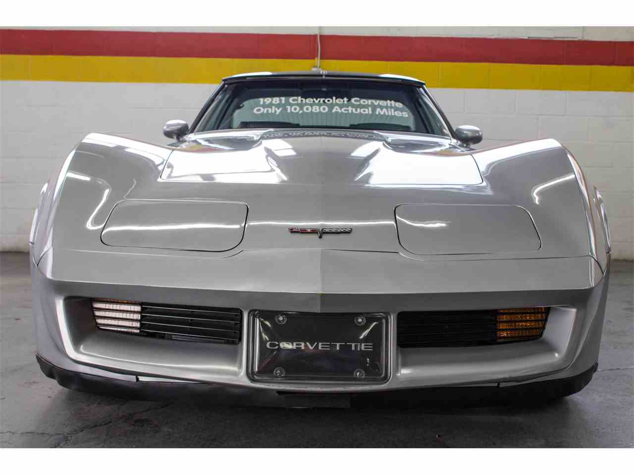 Large Picture of '81 Corvette located in Montreal Quebec Offered by John Scotti Classic Cars - KKXV