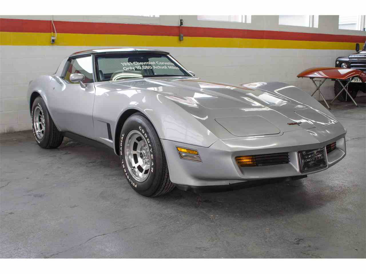 Large Picture of 1981 Chevrolet Corvette located in Montreal Quebec - $26,900.00 Offered by John Scotti Classic Cars - KKXV