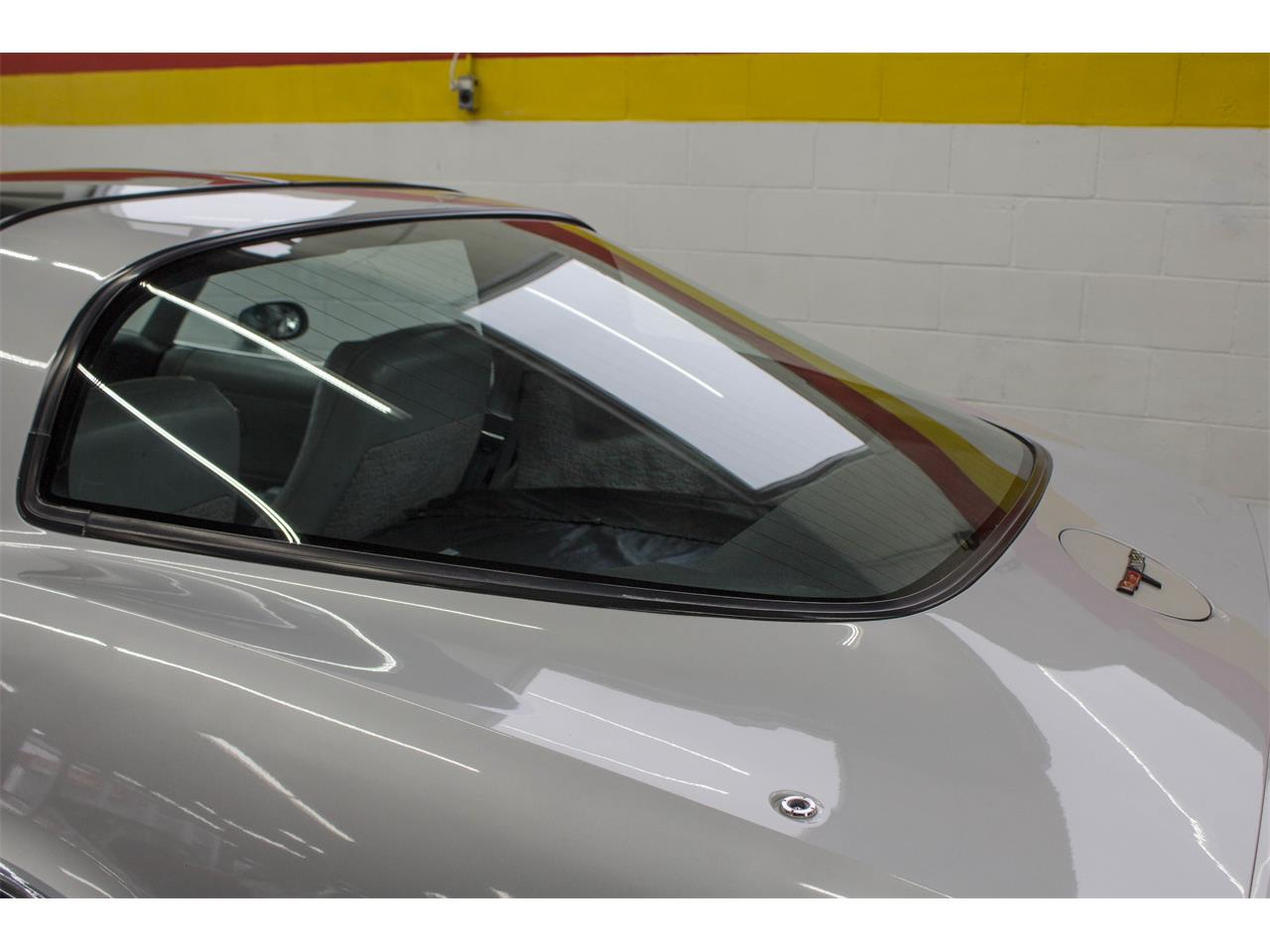 Large Picture of 1981 Chevrolet Corvette located in Quebec - KKXW