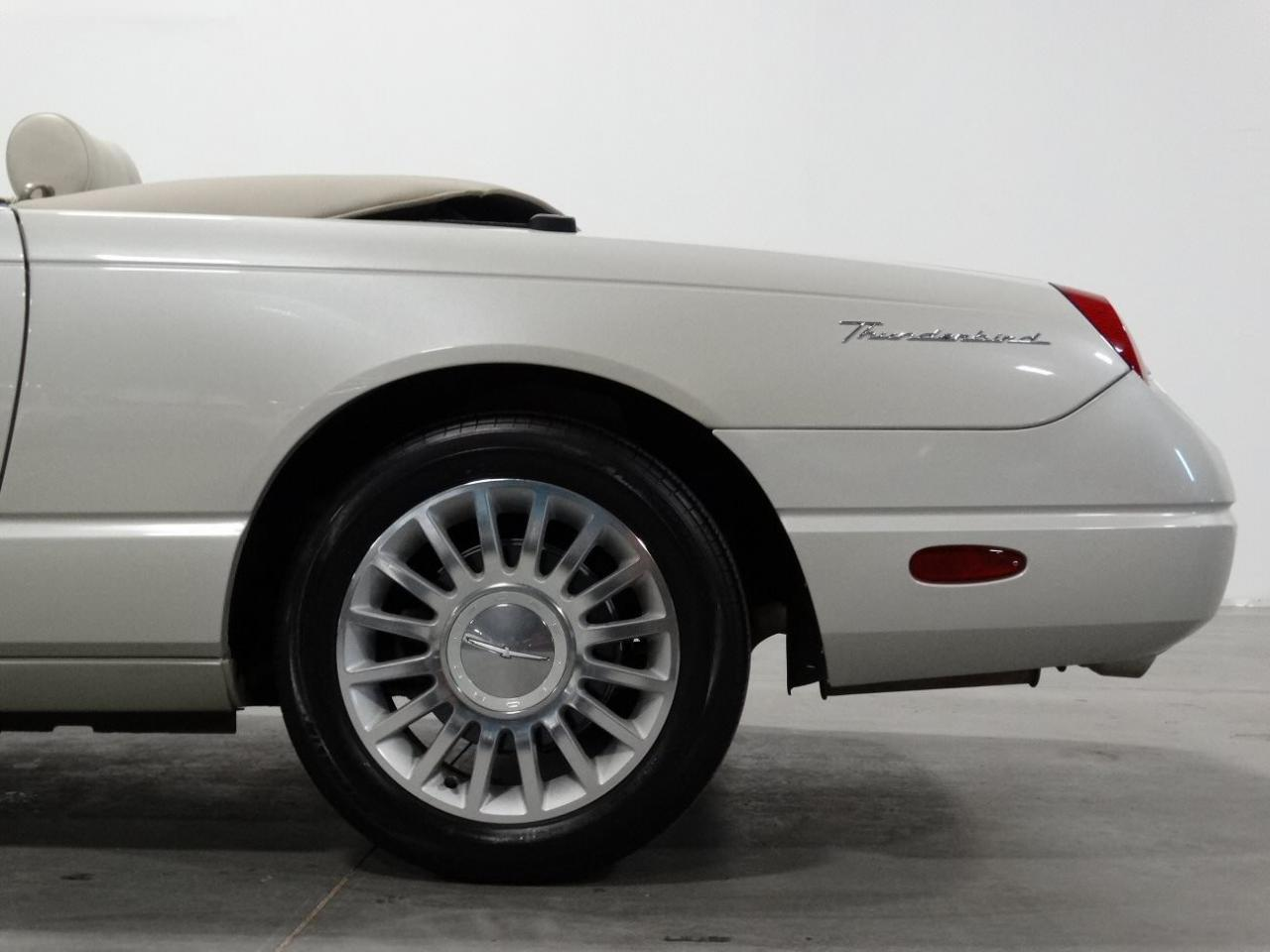Large Picture of '05 Ford Thunderbird located in Georgia - $32,995.00 Offered by Gateway Classic Cars - Atlanta - KMSO