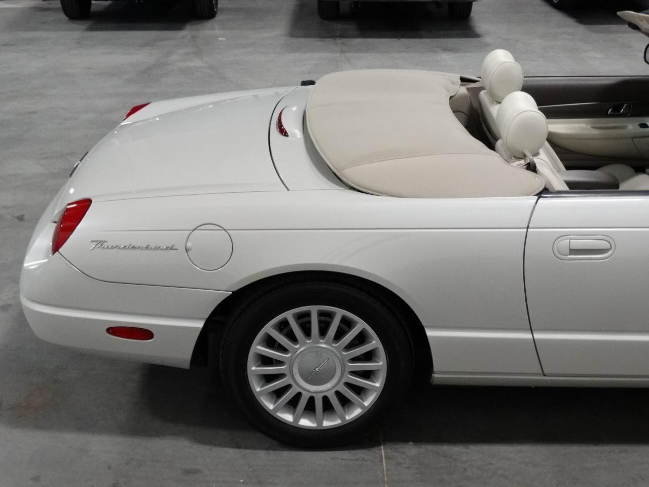 Large Picture of '05 Ford Thunderbird Offered by Gateway Classic Cars - Atlanta - KMSO