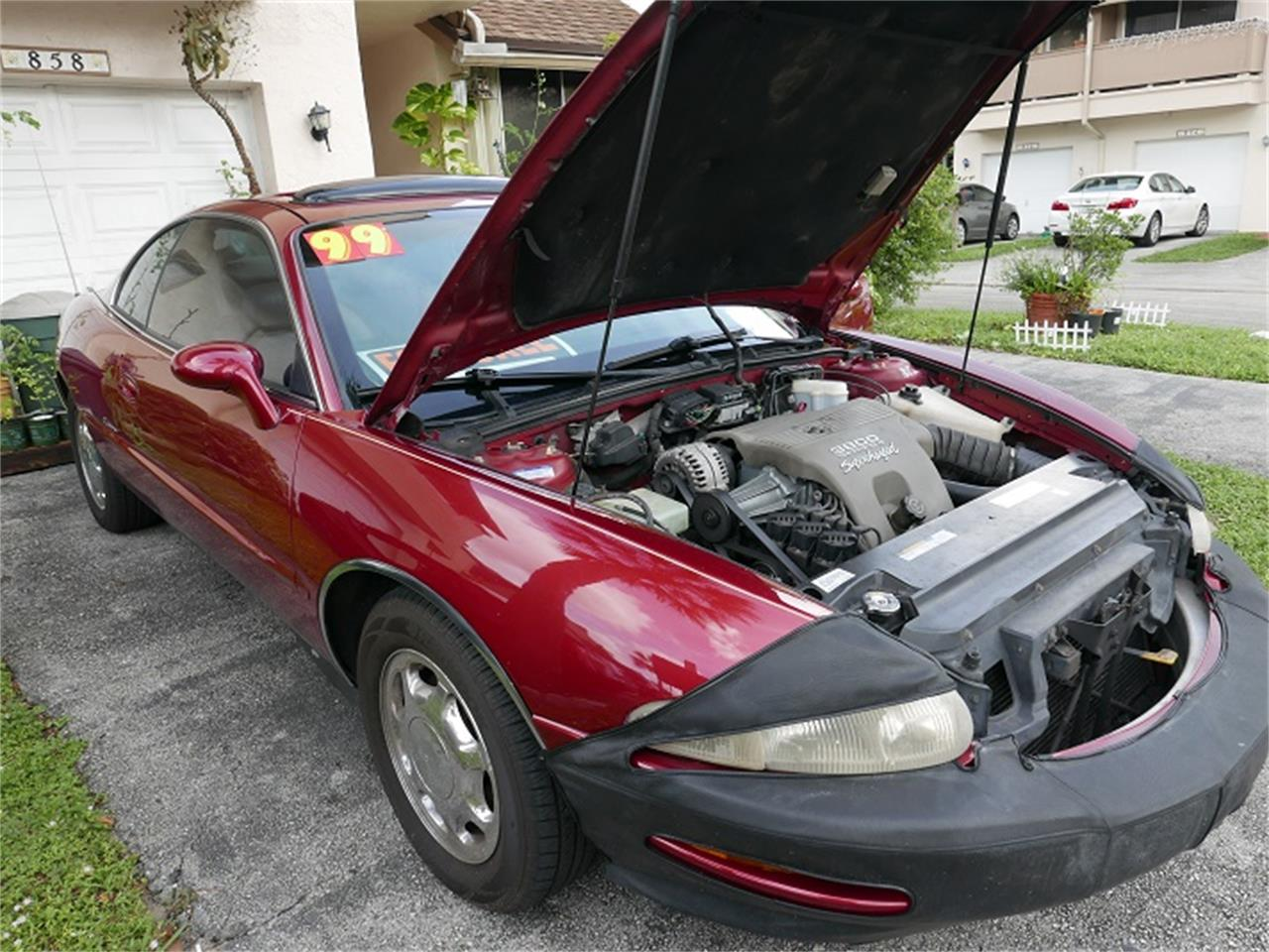 Large Picture of '99 Buick Riviera Offered by a Private Seller - KKY4