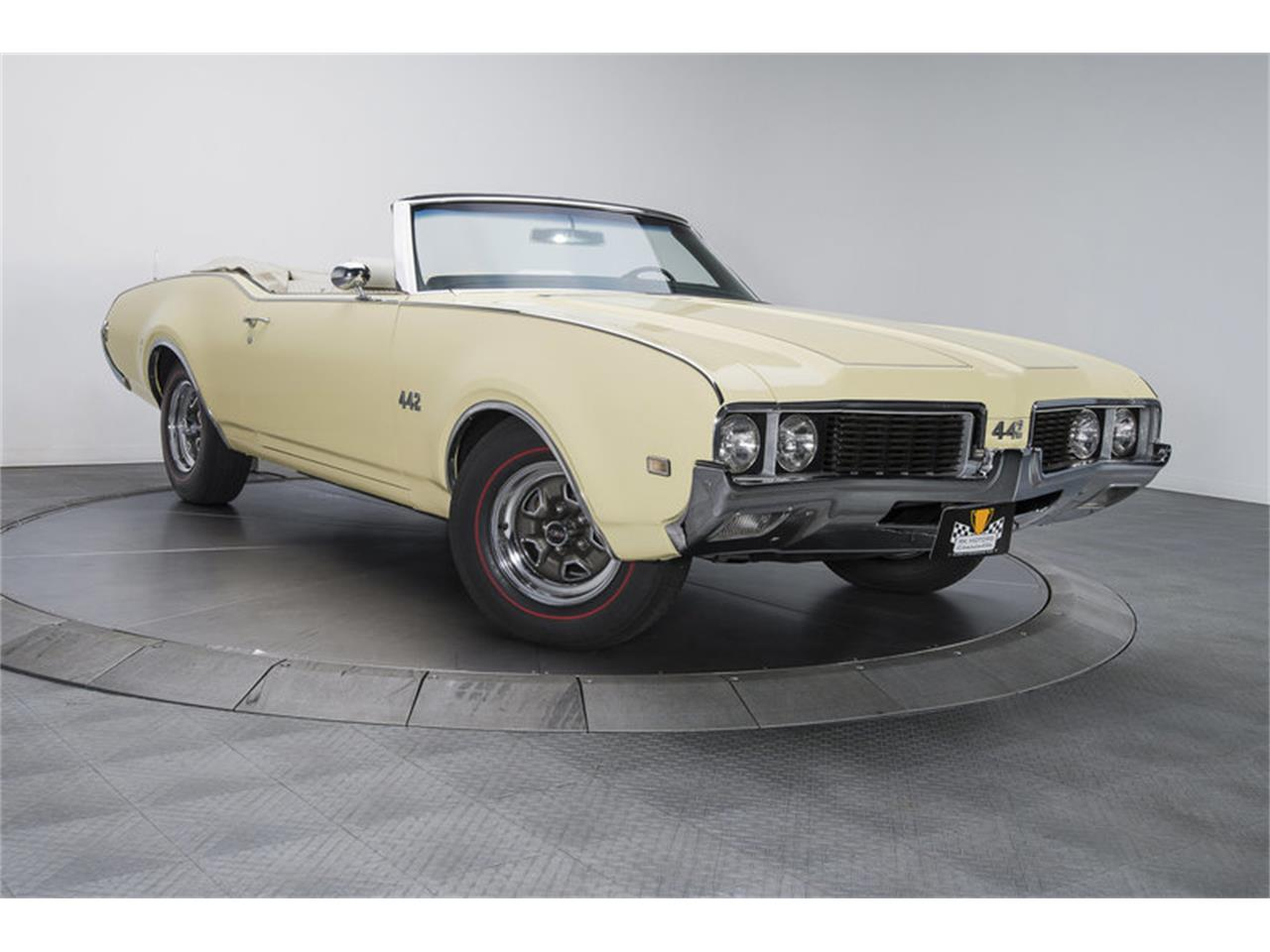 Large Picture of '69 Cutlass - KNGV