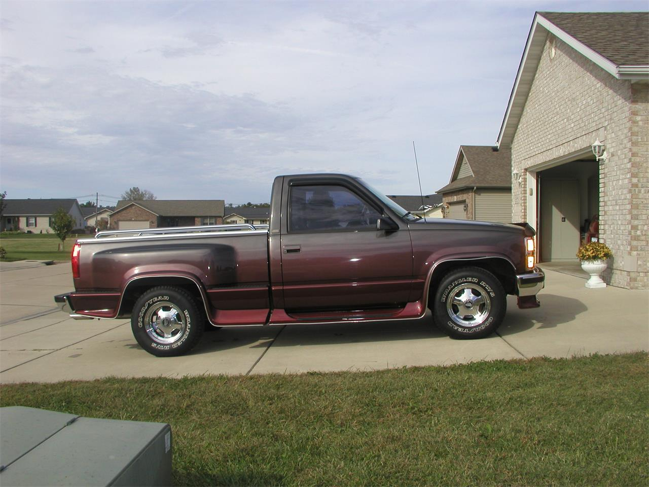 Large Picture of '92 Pickup located in Illinois - $11,000.00 Offered by a Private Seller - KNIK