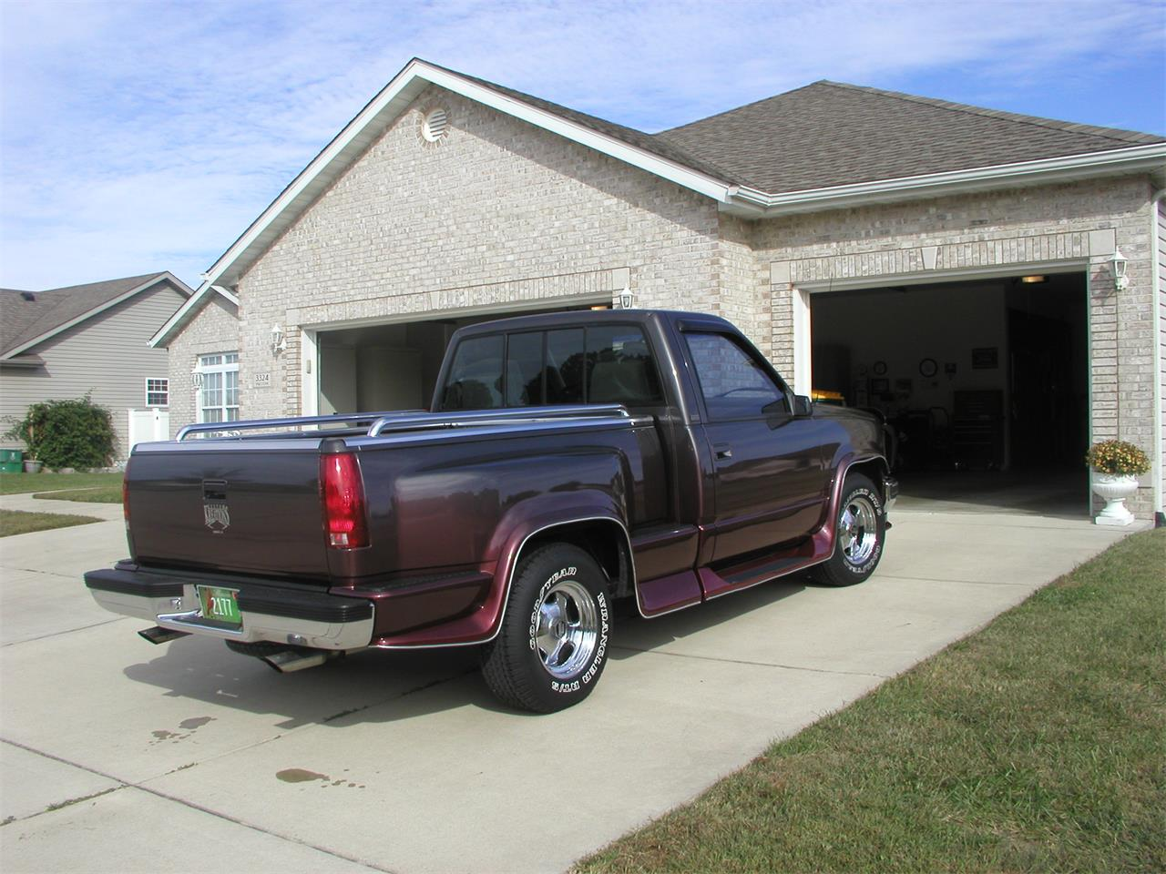 Large Picture of '92 Chevrolet Pickup located in Granite City Illinois - $11,000.00 - KNIK