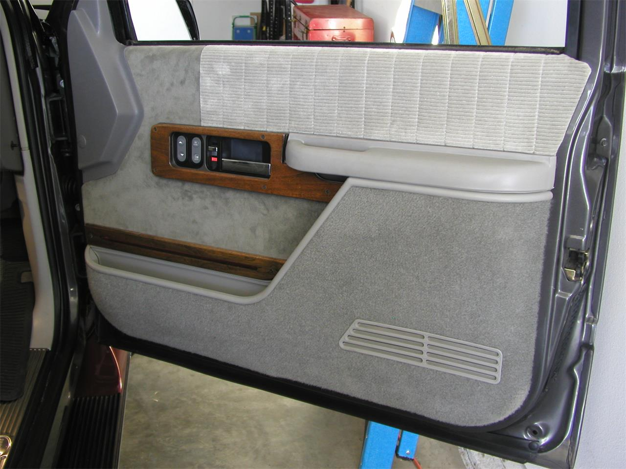 Large Picture of 1992 Chevrolet Pickup located in Illinois - KNIK