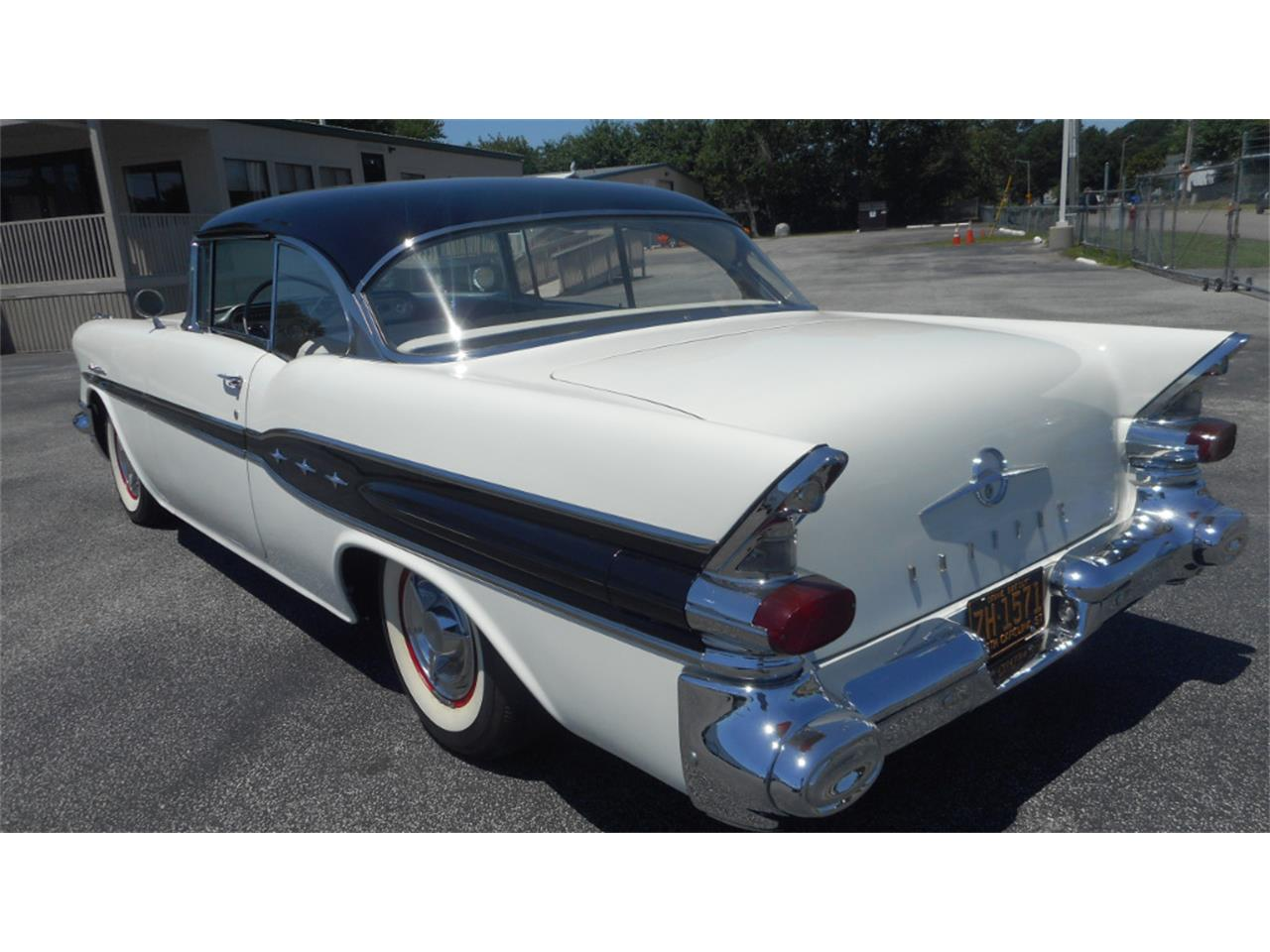 Large Picture of '57 Chieftain - KNVY