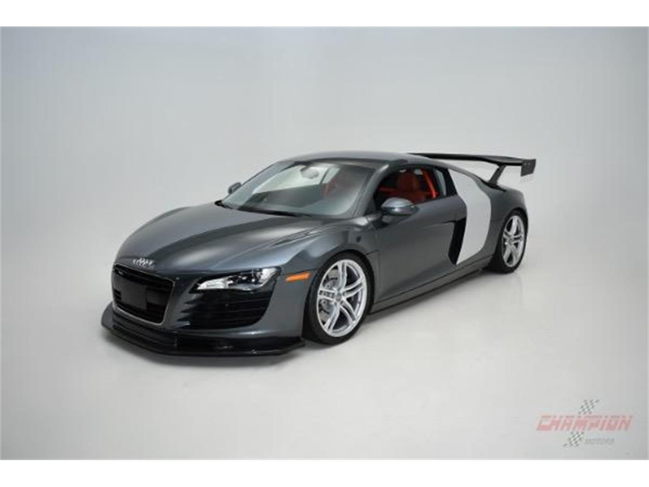 Large Picture of '09 R8 located in New York Offered by Champion Motors International - KO6N