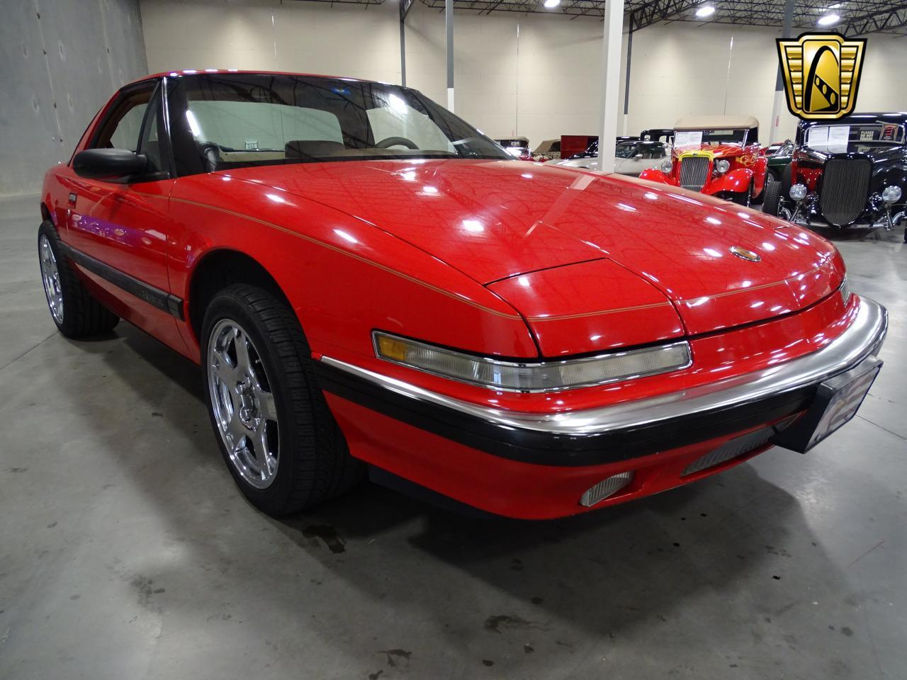 Large Picture of 1990 Buick Reatta - KOB1