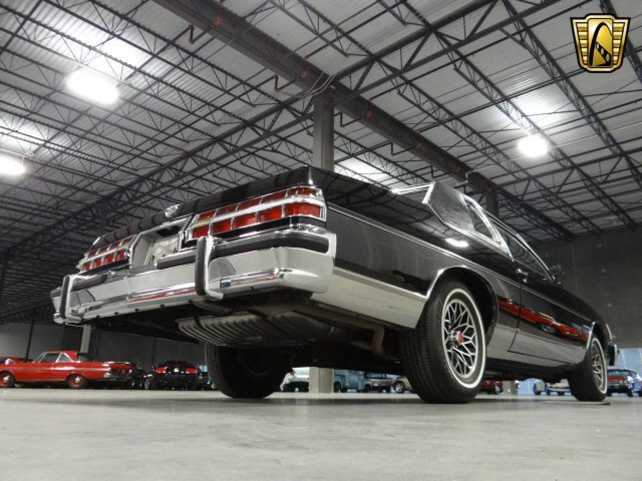 Large Picture of '79 Pontiac Bonneville - KOIW