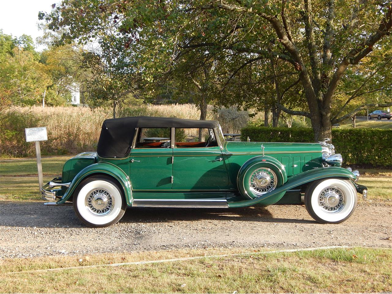 Large Picture of '32 CL Imperial Convertible Sedan - KOJQ