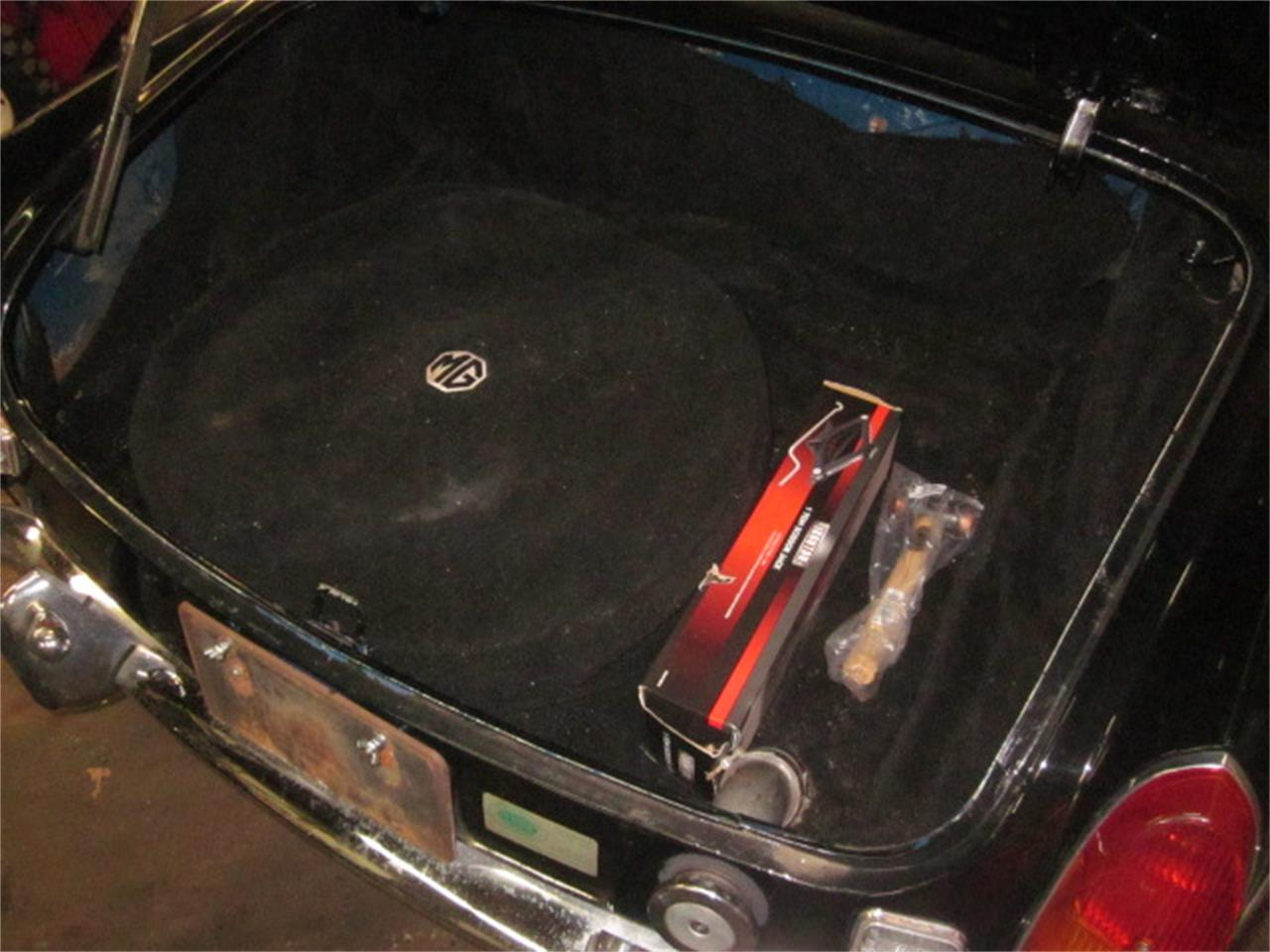 Large Picture of Classic '72 MG MGB located in Stratford Connecticut Offered by The New England Classic Car Co. - KPJY
