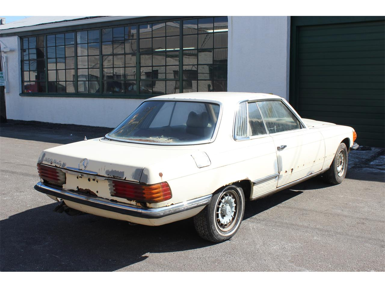 Large Picture of Classic '73 Mercedes-Benz 350 SLC Offered by MB Vintage Cars Inc - KPWG
