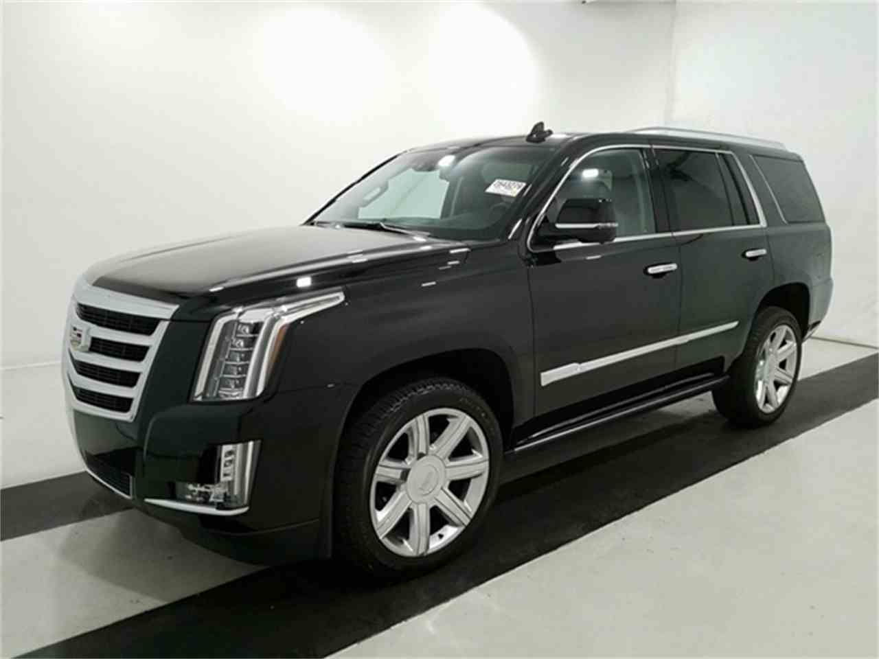 Large Picture of '16 Cadillac Escalade located in Shelby Township Michigan Offered by Rev Up Motors - KQ6S