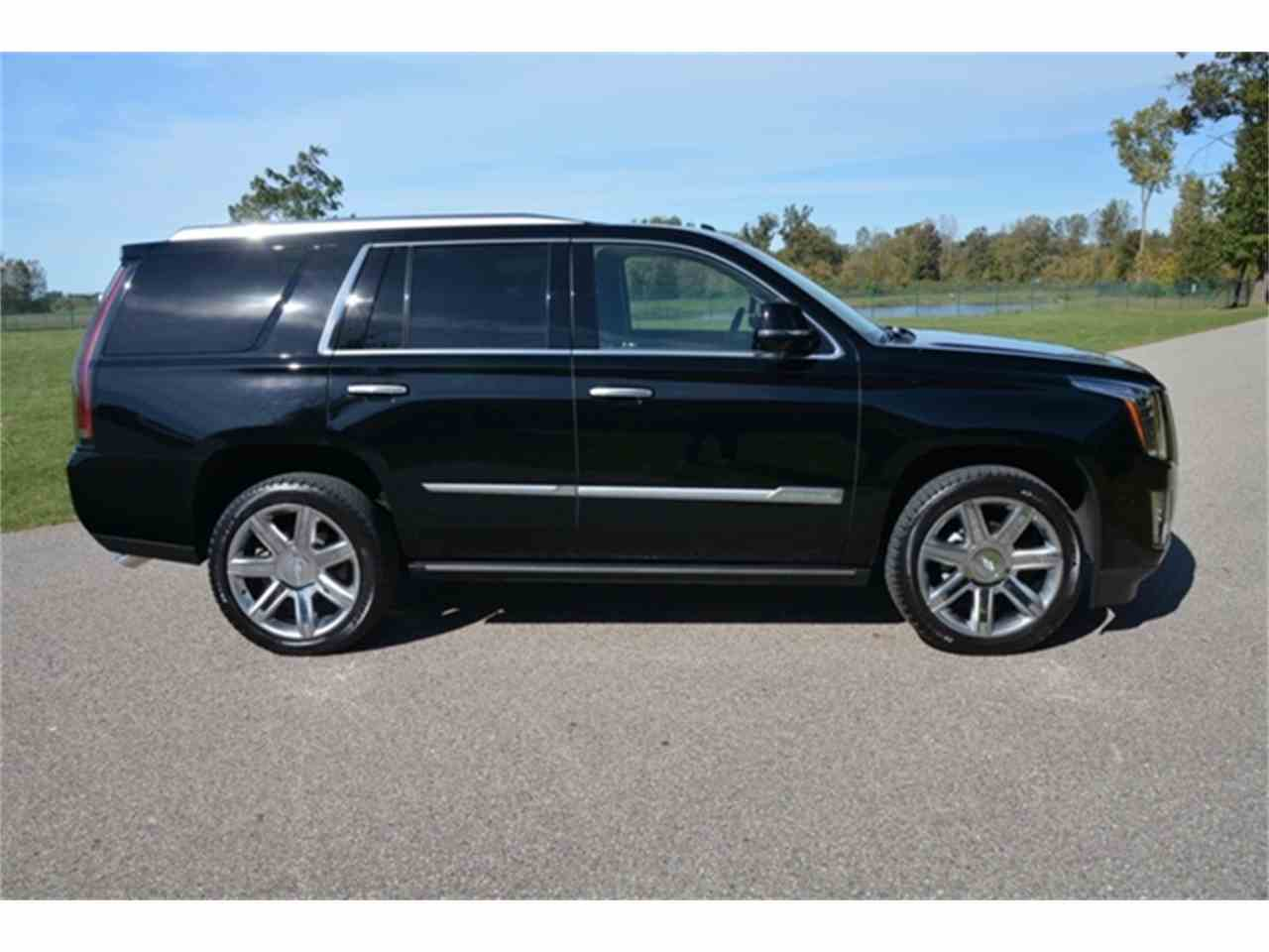 Large Picture of 2016 Cadillac Escalade located in Shelby Township Michigan Offered by Rev Up Motors - KQ6S