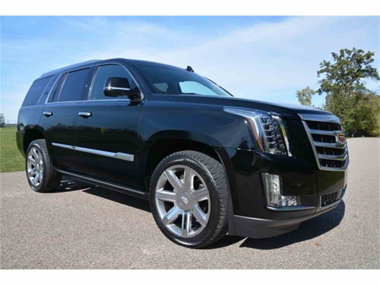 Large Picture of '16 Cadillac Escalade - $64,995.00 Offered by Rev Up Motors - KQ6S