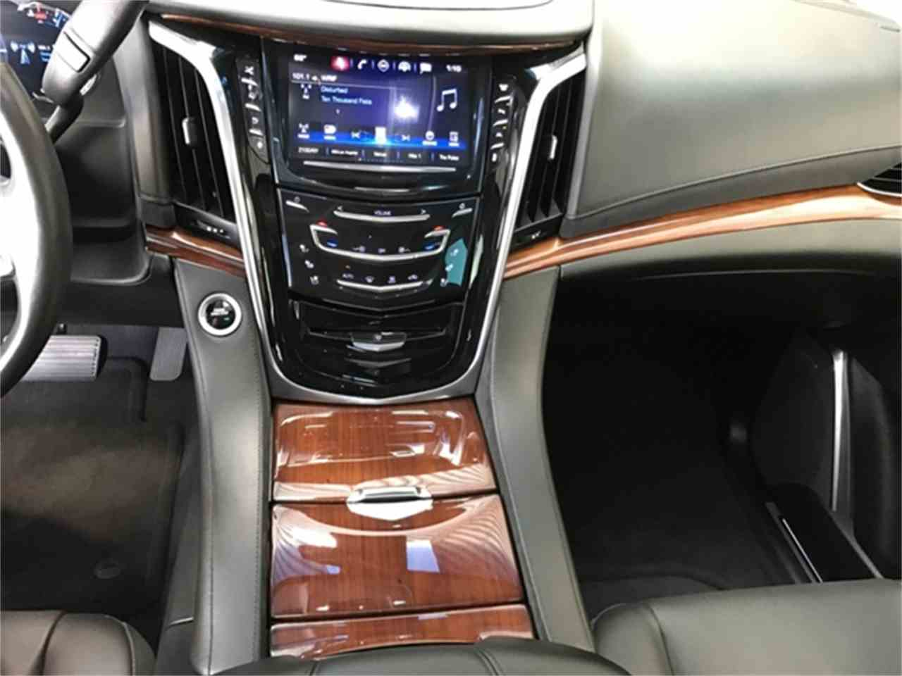Large Picture of '16 Cadillac Escalade located in Michigan - $64,995.00 - KQ6S